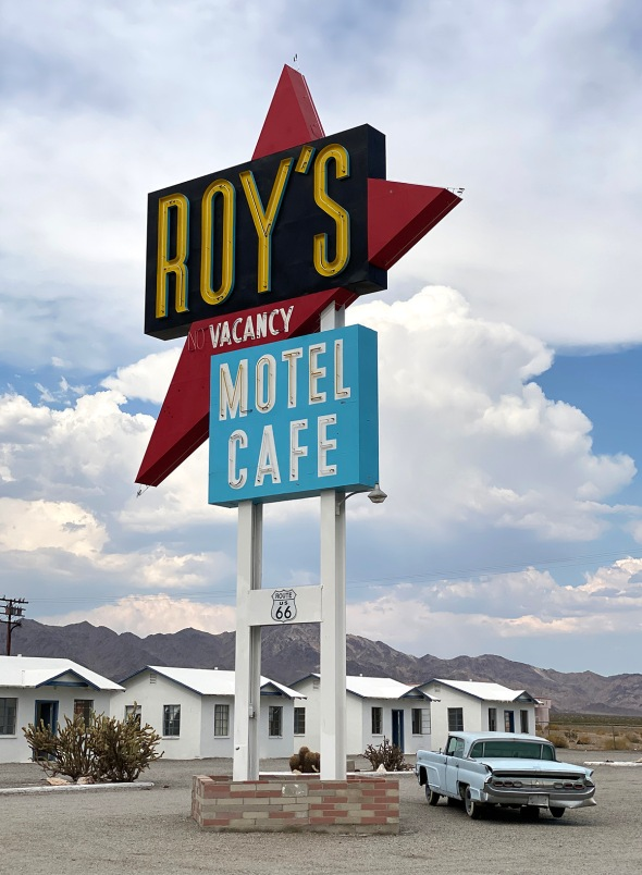 Roy's motel and cafe, Route 66